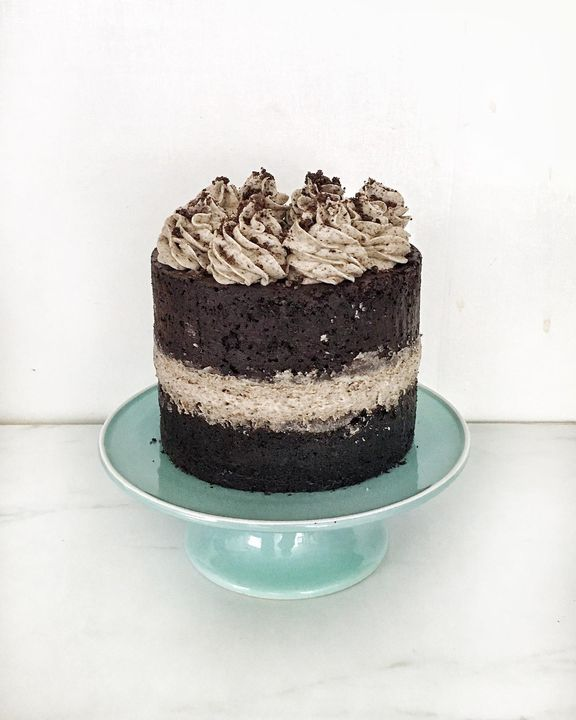 Two layers of chocolate mudd cake with cream cheese Oreo frosting. Decadent chocolatey goodness🍫⠀Custom order for a litt...