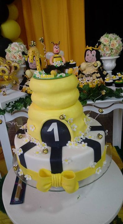 Bolos temáticos e topos de bolo em biscuitSmallcakes