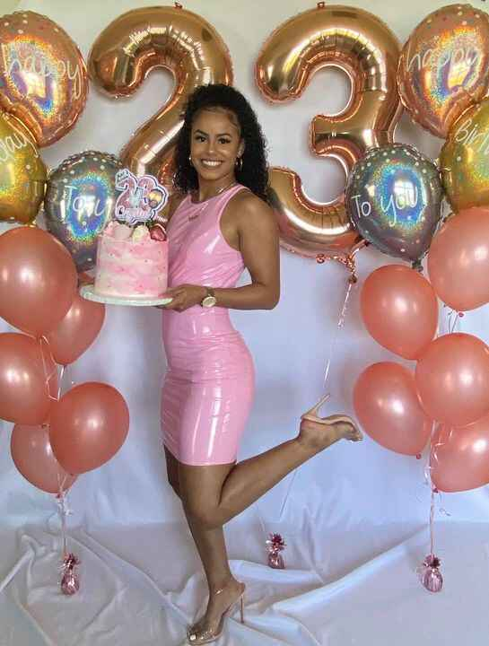 Last week I had the absolute pleasure of celebrating my beautiful baby girls 23rd birthday!  Of course I had to make her...